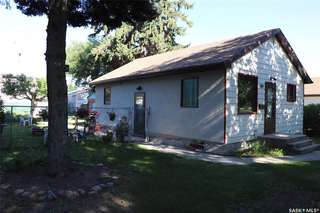 Main Photo: 1533 E Avenue North in Saskatoon: Mayfair Residential for sale : MLS®# SK818866