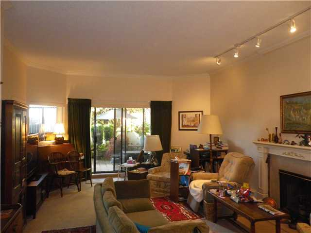 """Photo 3: Photos: 101 2408 HAYWOOD Avenue in West Vancouver: Dundarave Condo for sale in """"REGENCY PLACE"""" : MLS®# V917541"""