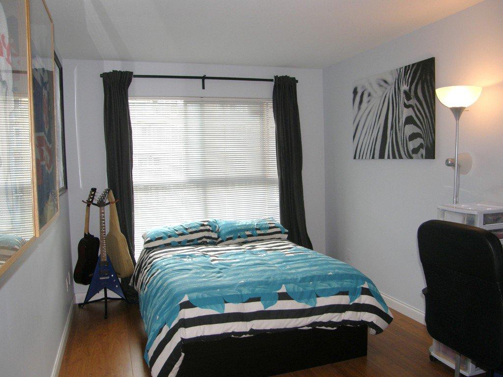 """Photo 8: Photos: 236 5880 DOVER Crescent in Richmond: Riverdale RI Condo for sale in """"WATERSIDE"""" : MLS®# V1104852"""