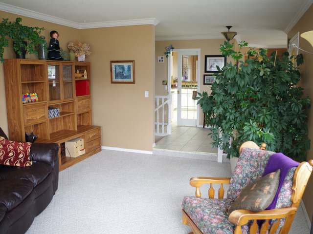 Photo 8: Photos: 955 HEATHERTON Court in : Aberdeen House for sale (Kamloops)  : MLS®# 131037