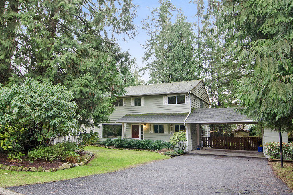 Main Photo: 1109 HANDSWORTH Road in North Vancouver: Canyon Heights NV House for sale : MLS®# R2032317