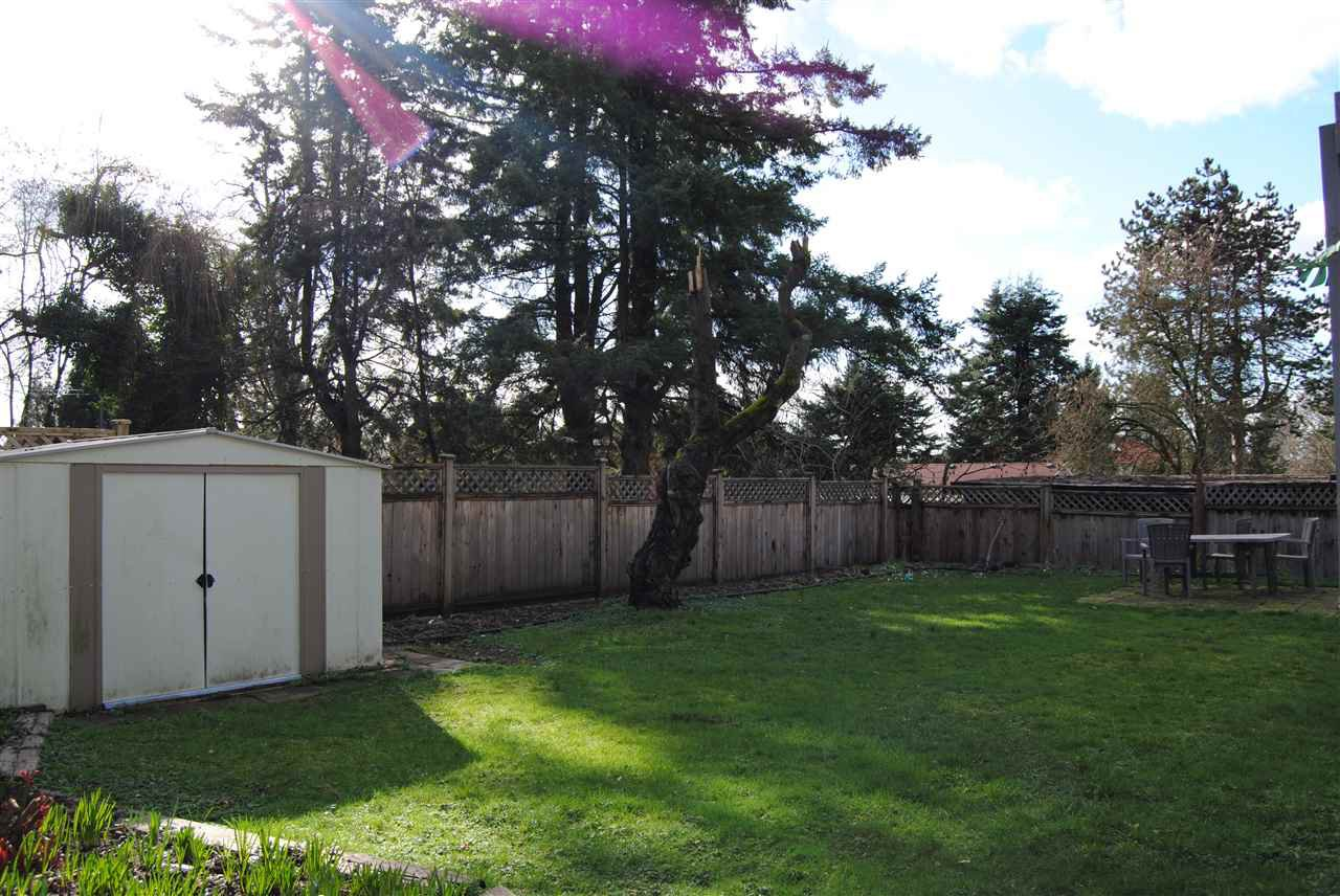 Photo 4: Photos: 15172 88TH Avenue in Surrey: Bear Creek Green Timbers House for sale : MLS®# R2037697