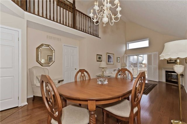 Photo 2: Photos: 2945 Addison Street in Burlington: Rose House (Bungaloft) for sale : MLS®# W3424189