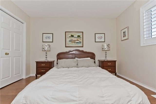 Photo 11: Photos: 2945 Addison Street in Burlington: Rose House (Bungaloft) for sale : MLS®# W3424189
