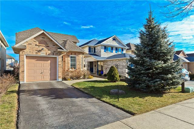 Main Photo: 2945 Addison Street in Burlington: Rose House (Bungaloft) for sale : MLS®# W3424189