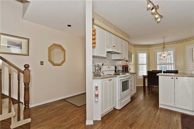 Photo 14: Photos: 2945 Addison Street in Burlington: Rose House (Bungaloft) for sale : MLS®# W3424189
