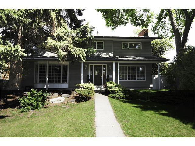 Main Photo: 1134 LAKE CHRISTINA Way SE in Calgary: Lake Bonavista House for sale : MLS®# C4051851