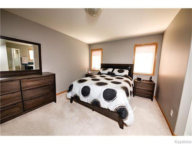 Photo 11: Photos: 30 Peach Bay in Oakbank: Anola / Dugald / Hazelridge / Oakbank / Vivian Residential for sale (Winnipeg area)  : MLS®# 1606650
