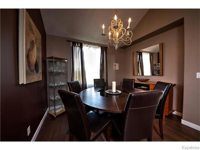Photo 4: Photos: 30 Peach Bay in Oakbank: Anola / Dugald / Hazelridge / Oakbank / Vivian Residential for sale (Winnipeg area)  : MLS®# 1606650