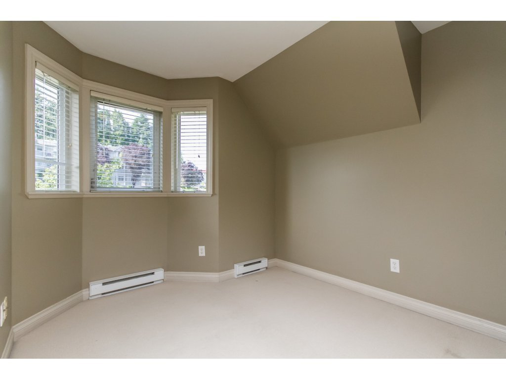 """Photo 15: Photos: 4 33321 GEORGE FERGUSON Way in Abbotsford: Central Abbotsford Townhouse for sale in """"Cedar Lane"""" : MLS®# R2082574"""