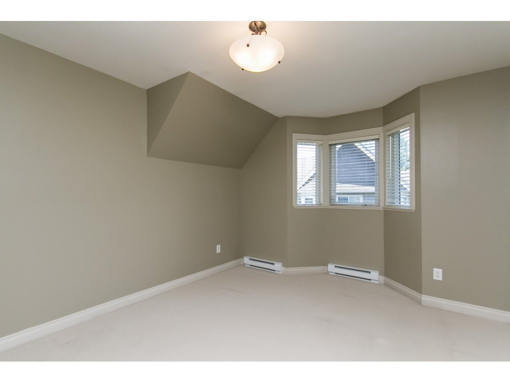 """Photo 12: Photos: 4 33321 GEORGE FERGUSON Way in Abbotsford: Central Abbotsford Townhouse for sale in """"Cedar Lane"""" : MLS®# R2082574"""
