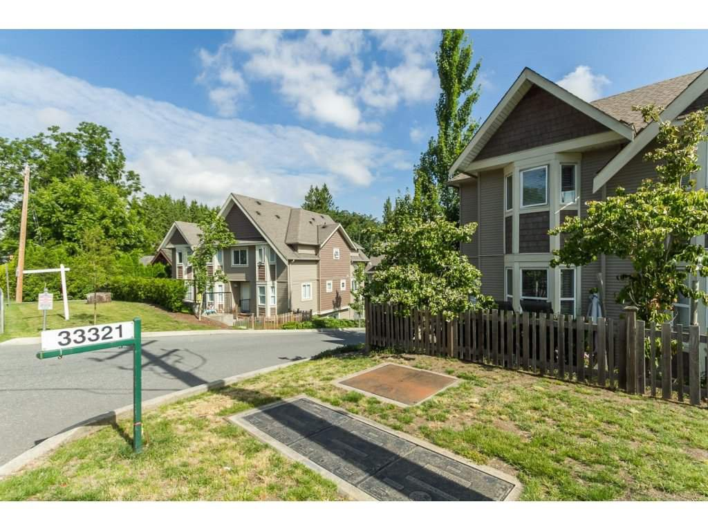 """Photo 20: Photos: 4 33321 GEORGE FERGUSON Way in Abbotsford: Central Abbotsford Townhouse for sale in """"Cedar Lane"""" : MLS®# R2082574"""