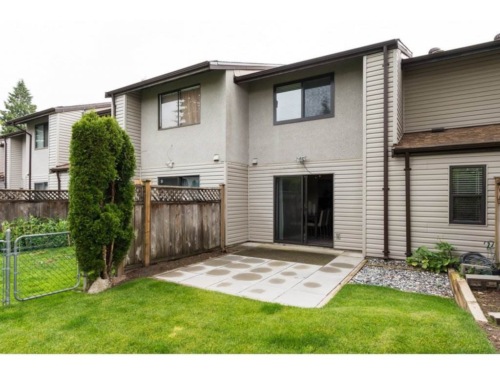 """Main Photo: 26 9955 140 Street in Surrey: Whalley Townhouse for sale in """"TIMBERLANE"""" (North Surrey)  : MLS®# R2084442"""