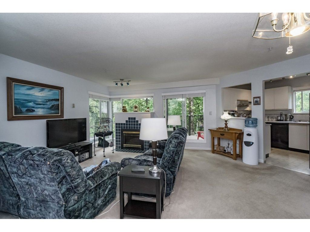 "Photo 3: Photos: 214 2401 HAWTHORNE Avenue in Port Coquitlam: Central Pt Coquitlam Condo for sale in ""STONEBROOK"" : MLS®# R2175364"