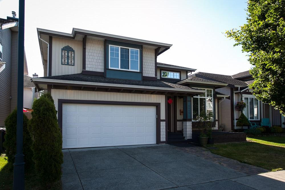 "Main Photo: 9444 202B Street in Langley: Walnut Grove House for sale in ""Riverwynde"" : MLS®# R2182423"