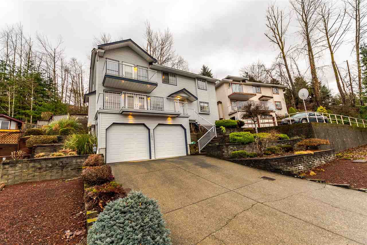Main Photo: 30981 SANDPIPER Drive in Abbotsford: Abbotsford West House for sale : MLS®# R2235911