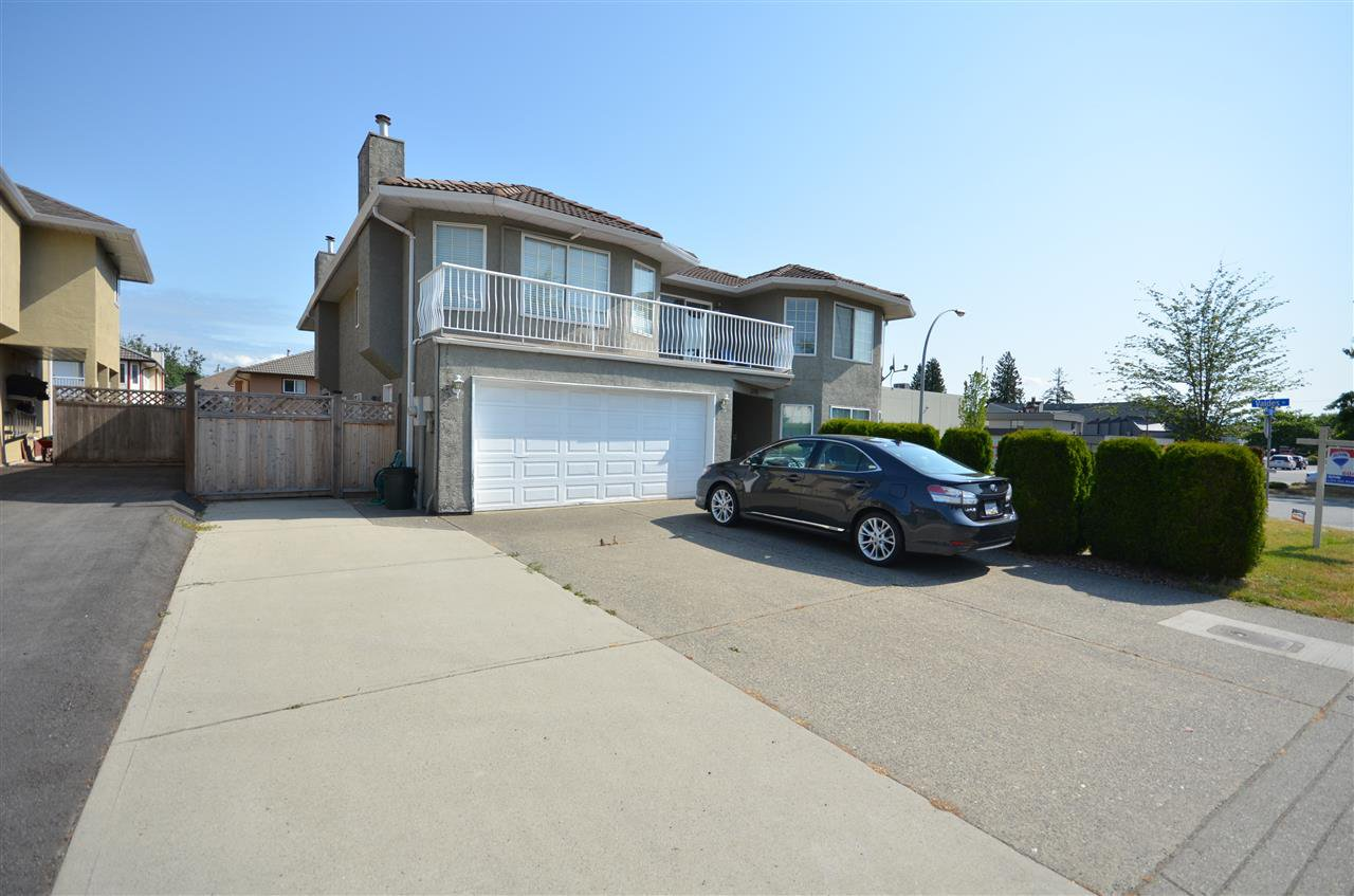 Main Photo: 31905 BLUERIDGE Drive in Abbotsford: Abbotsford West House for sale : MLS®# R2275907