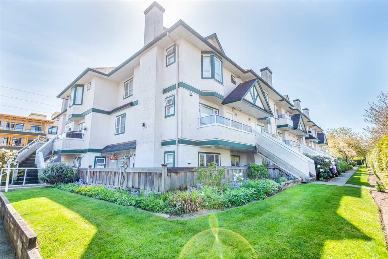 "Main Photo: 216 3978 ALBERT Street in Burnaby: Vancouver Heights Townhouse for sale in ""HERITAGE GREENE"" (Burnaby North)  : MLS®# R2365578"