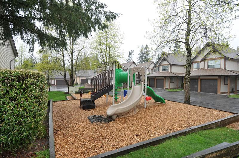 """Photo 17: Photos: 22 23151 HANEY Bypass in Maple Ridge: East Central Townhouse for sale in """"STONEHOUSE ESTATES"""" : MLS®# R2386013"""