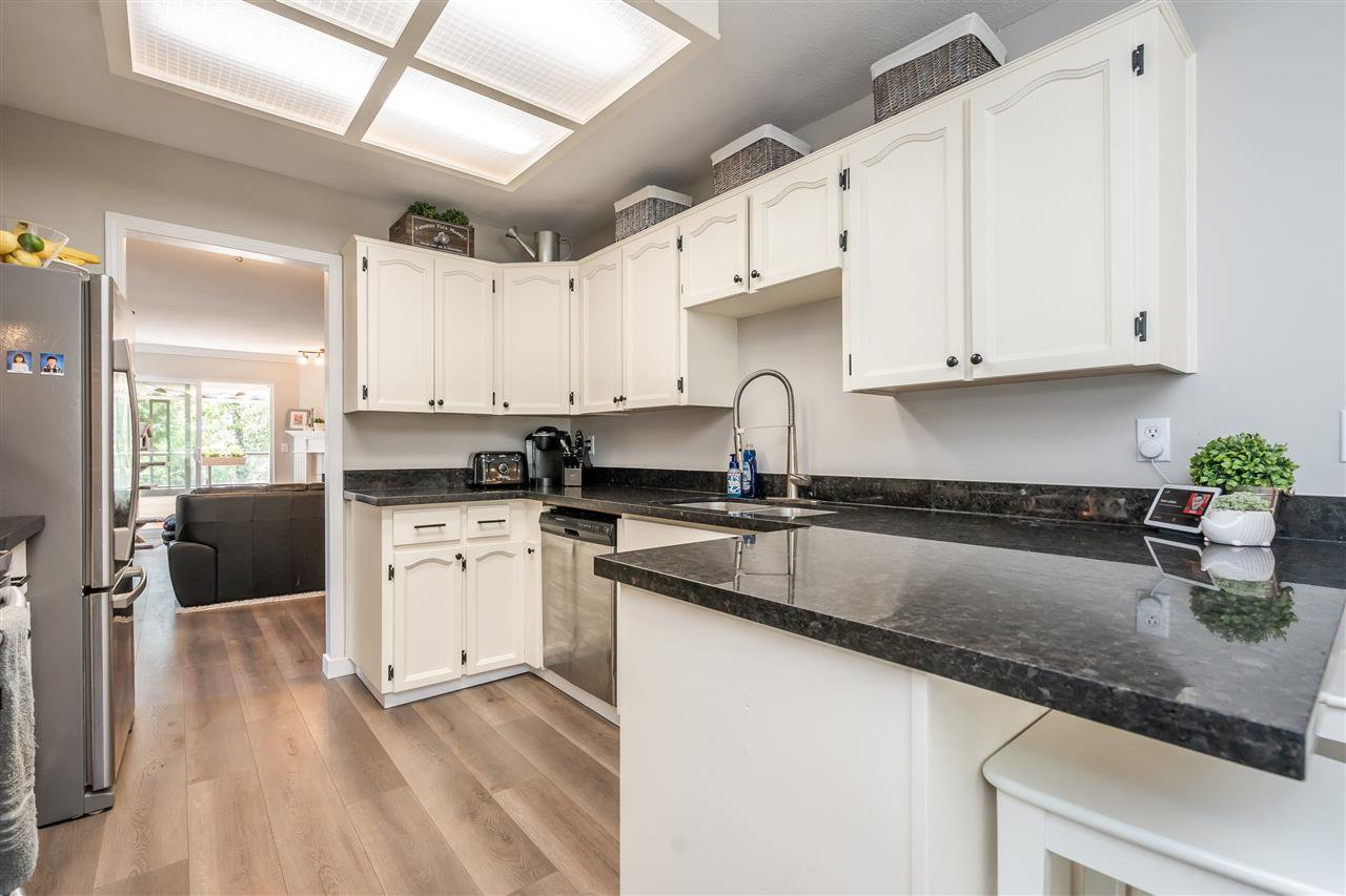 "Photo 4: Photos: 506 11726 225 Street in Maple Ridge: East Central Townhouse for sale in ""Royal Terrace"" : MLS®# R2459104"