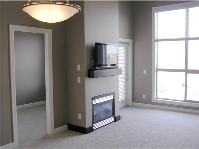 Top Floor, Soaring Ceiling, West View, West Balcony, Bedroom #2