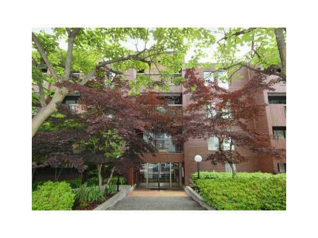 "Main Photo: 407 2920 ASH Street in Vancouver: Fairview VW Condo for sale in ""ASHCOURT"" (Vancouver West)  : MLS®# V925080"