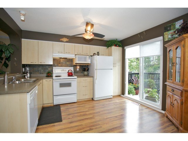 "Photo 6: Photos: 76 20176 68 Avenue in Langley: Willoughby Heights Townhouse for sale in ""Steeplechase"" : MLS®# F1450205"