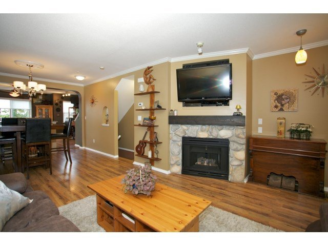 "Photo 5: Photos: 76 20176 68 Avenue in Langley: Willoughby Heights Townhouse for sale in ""Steeplechase"" : MLS®# F1450205"