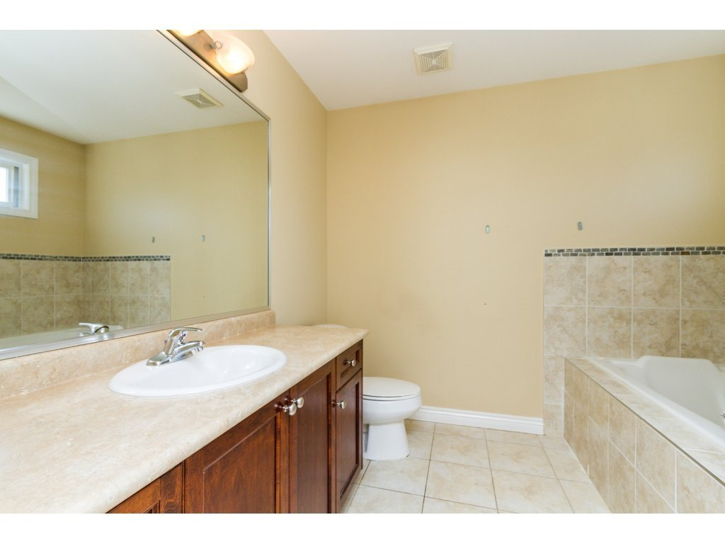 Photo 12: Photos: 6803 192ND Street in Surrey: Clayton House for sale (Cloverdale)  : MLS®# R2099785