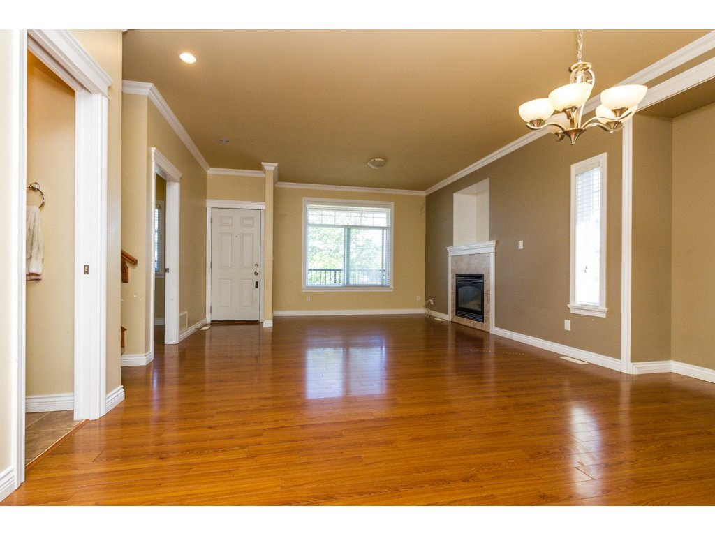 Photo 3: Photos: 6803 192ND Street in Surrey: Clayton House for sale (Cloverdale)  : MLS®# R2099785