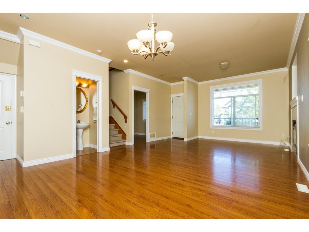 Photo 5: Photos: 6803 192ND Street in Surrey: Clayton House for sale (Cloverdale)  : MLS®# R2099785