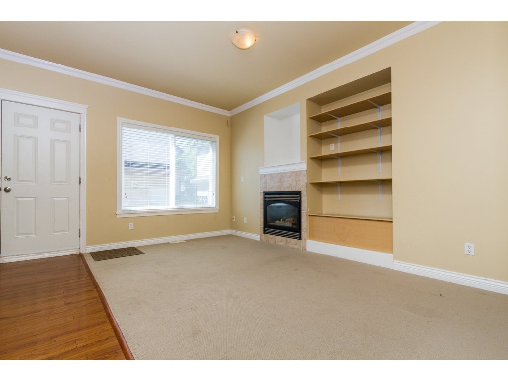Photo 4: Photos: 6803 192ND Street in Surrey: Clayton House for sale (Cloverdale)  : MLS®# R2099785