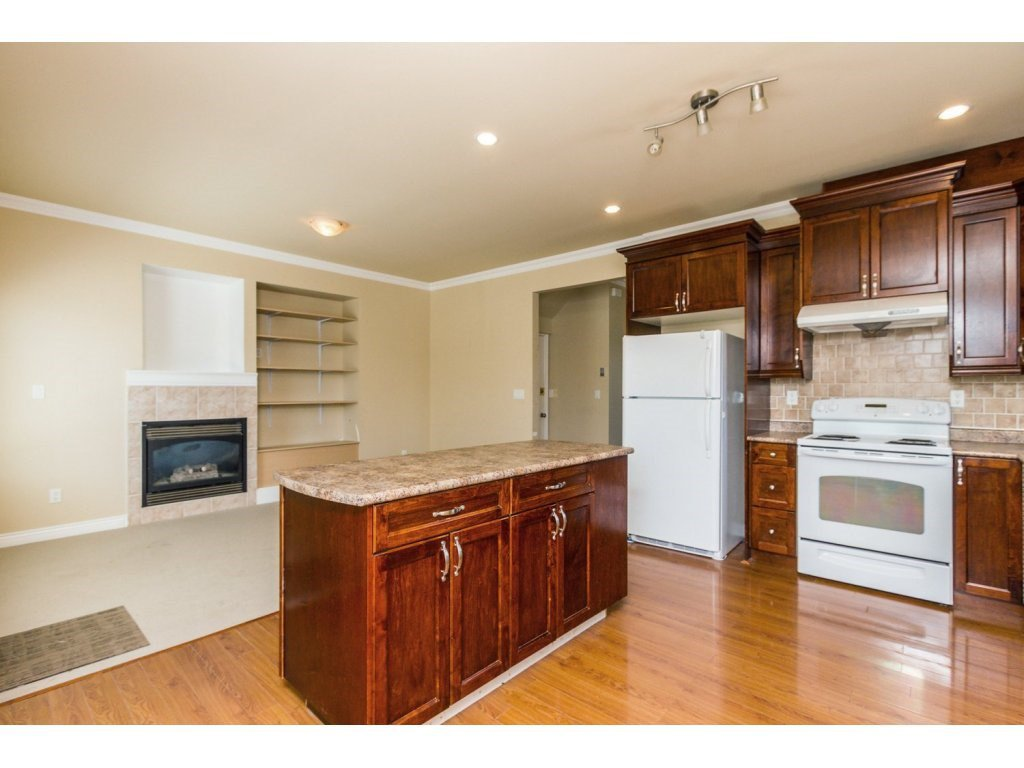 Photo 9: Photos: 6803 192ND Street in Surrey: Clayton House for sale (Cloverdale)  : MLS®# R2099785
