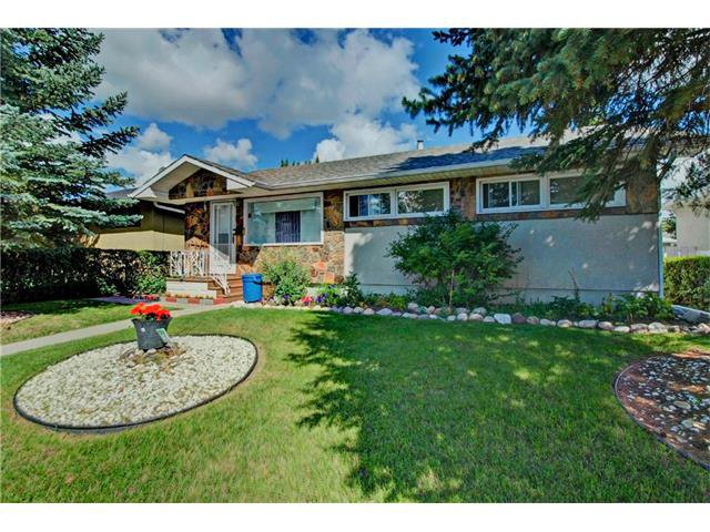 Main Photo: 4232 7 Avenue SW in Calgary: Rosscarrock House for sale : MLS®# C4078756