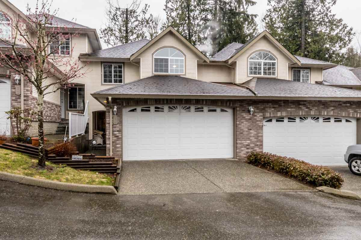 "Main Photo: 74 32777 CHILCOTIN Drive in Abbotsford: Central Abbotsford Townhouse for sale in ""Cartier Heights"" : MLS®# R2150527"