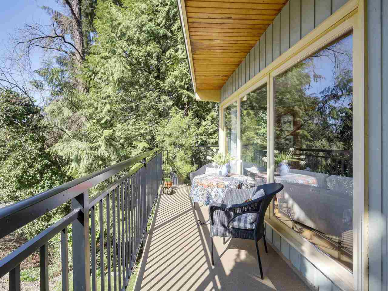 """Photo 15: Photos: 868 PROSPECT Avenue in North Vancouver: Canyon Heights NV House for sale in """"Canyon Heights"""" : MLS®# R2156117"""