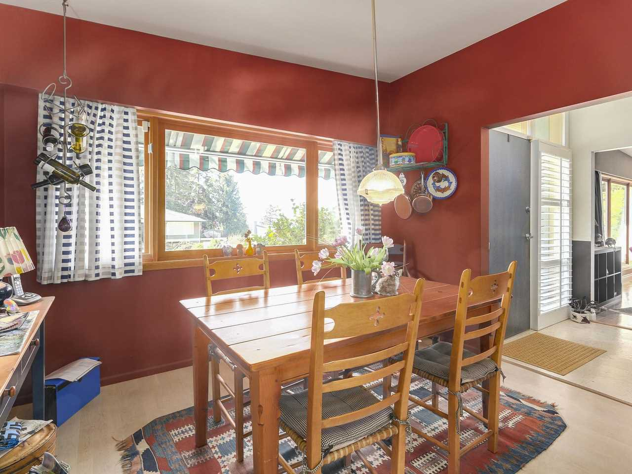 """Photo 4: Photos: 868 PROSPECT Avenue in North Vancouver: Canyon Heights NV House for sale in """"Canyon Heights"""" : MLS®# R2156117"""