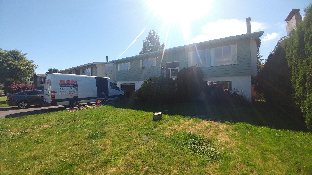 Main Photo: 8701 Cornwall Cres in Chilliwack: House for rent