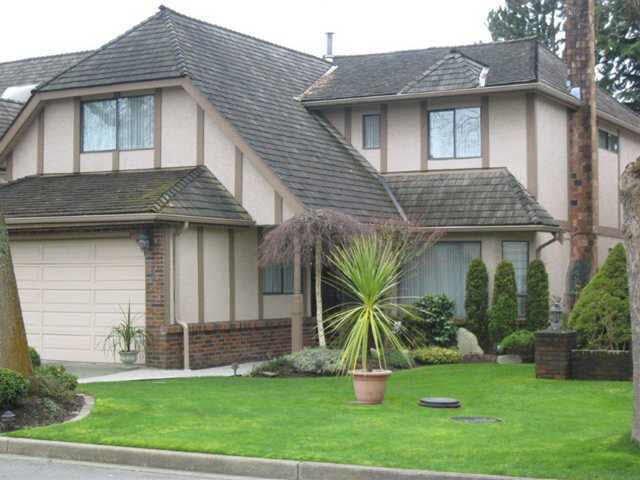 Main Photo: 6215 GARNET DRIVE in : Riverdale RI House for sale : MLS®# V996235