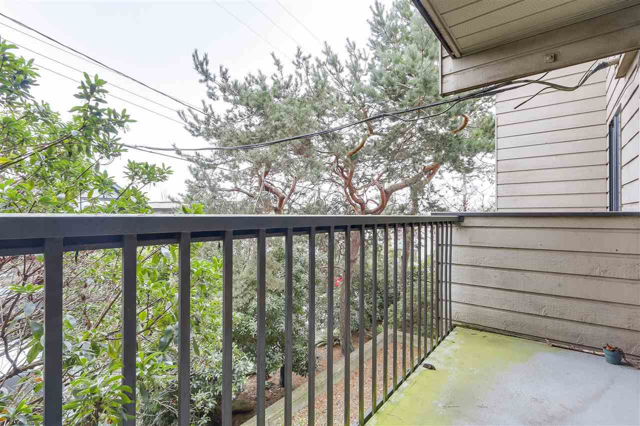 Photo 6: Photos: 213 2125 W 2ND Avenue in Vancouver: Kitsilano Condo for sale (Vancouver West)  : MLS®# R2230059