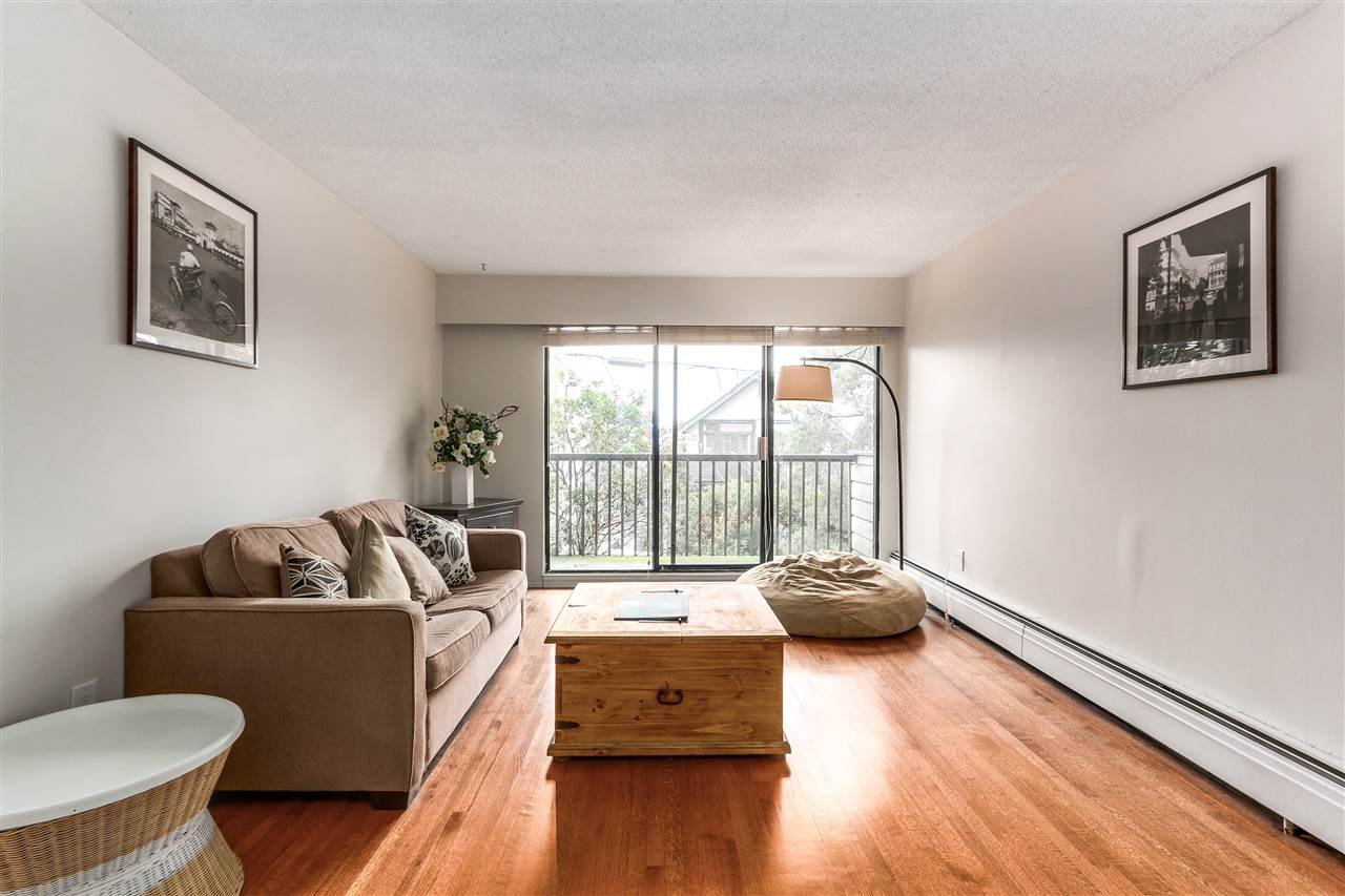 Photo 5: Photos: 213 2125 W 2ND Avenue in Vancouver: Kitsilano Condo for sale (Vancouver West)  : MLS®# R2230059