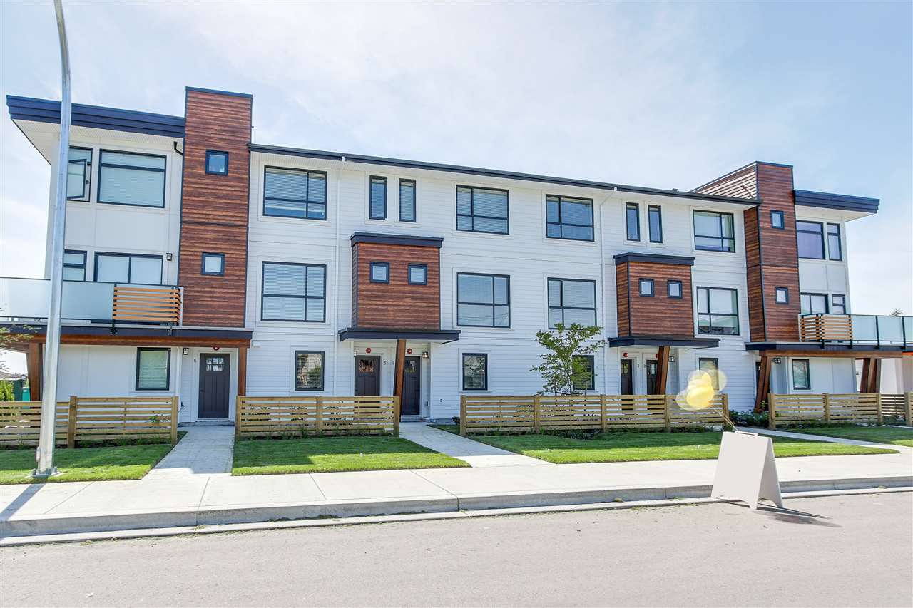 Main Photo: 16 240 JARDINE STREET in New Westminster: Queensborough Townhouse for sale : MLS®# R2183402