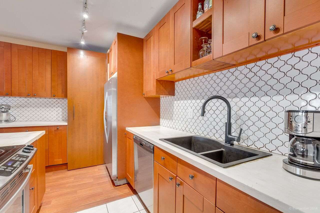"Photo 4: Photos: 402 1655 NELSON Street in Vancouver: West End VW Condo for sale in ""HEMPSTEAD MANOR"" (Vancouver West)  : MLS®# R2330394"