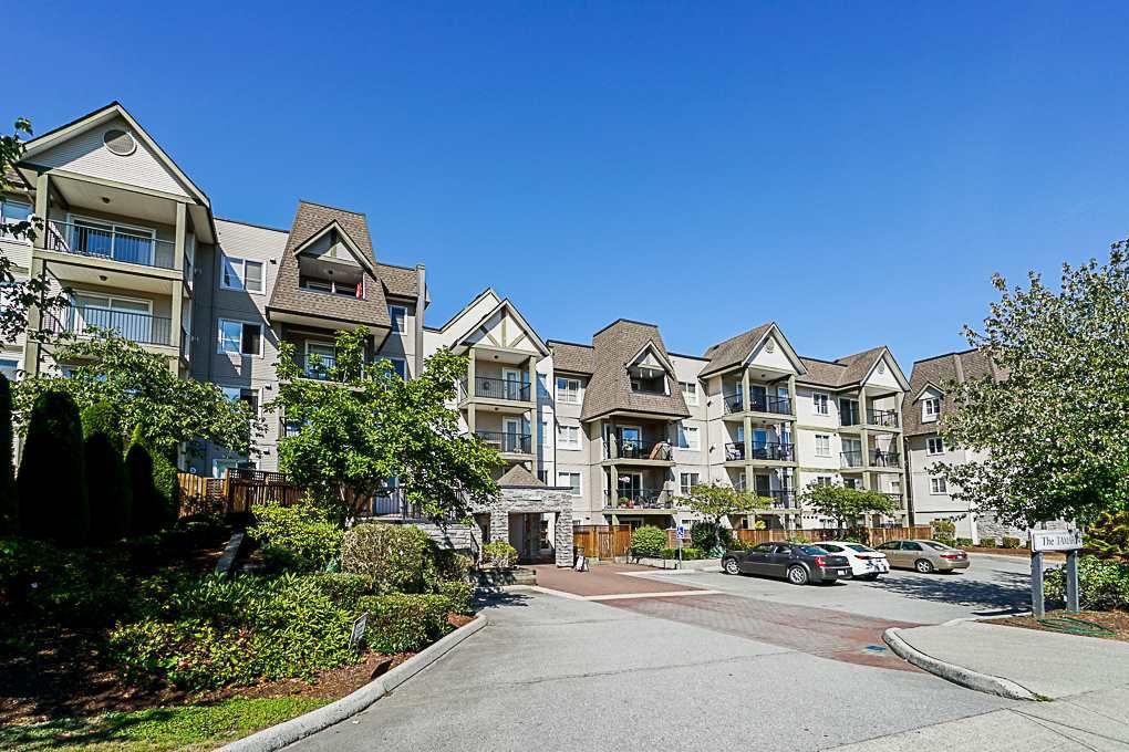 Main Photo: 402 12083 92A Avenue in Surrey: Queen Mary Park Surrey Condo for sale : MLS®# R2331335