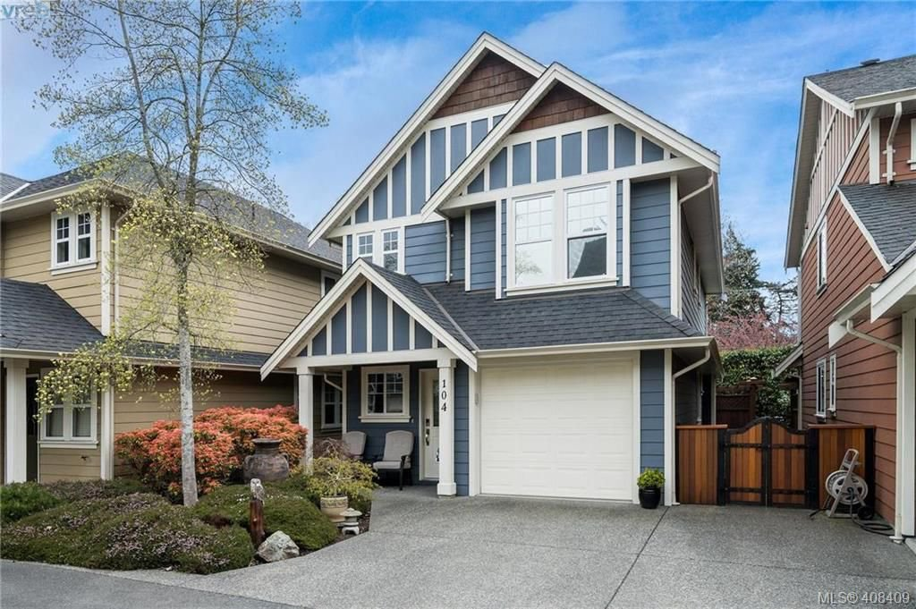 Main Photo: 104 724 Larkhall Rd in VICTORIA: La Langford Proper House for sale (Langford)  : MLS®# 811626