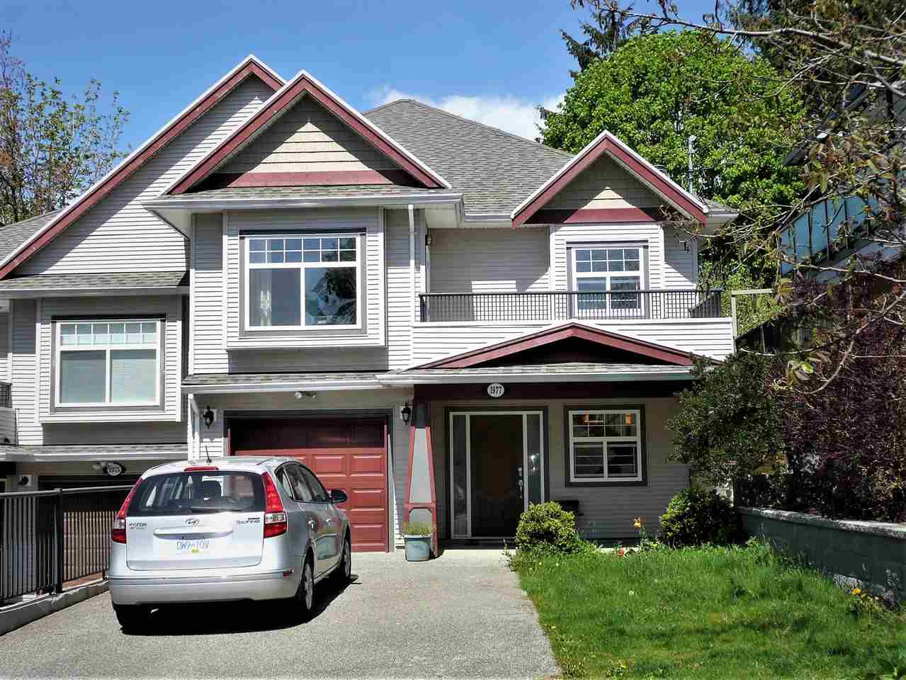 Main Photo: 1977 PETERSON Avenue in Coquitlam: Cape Horn House 1/2 Duplex for sale : MLS®# R2364091