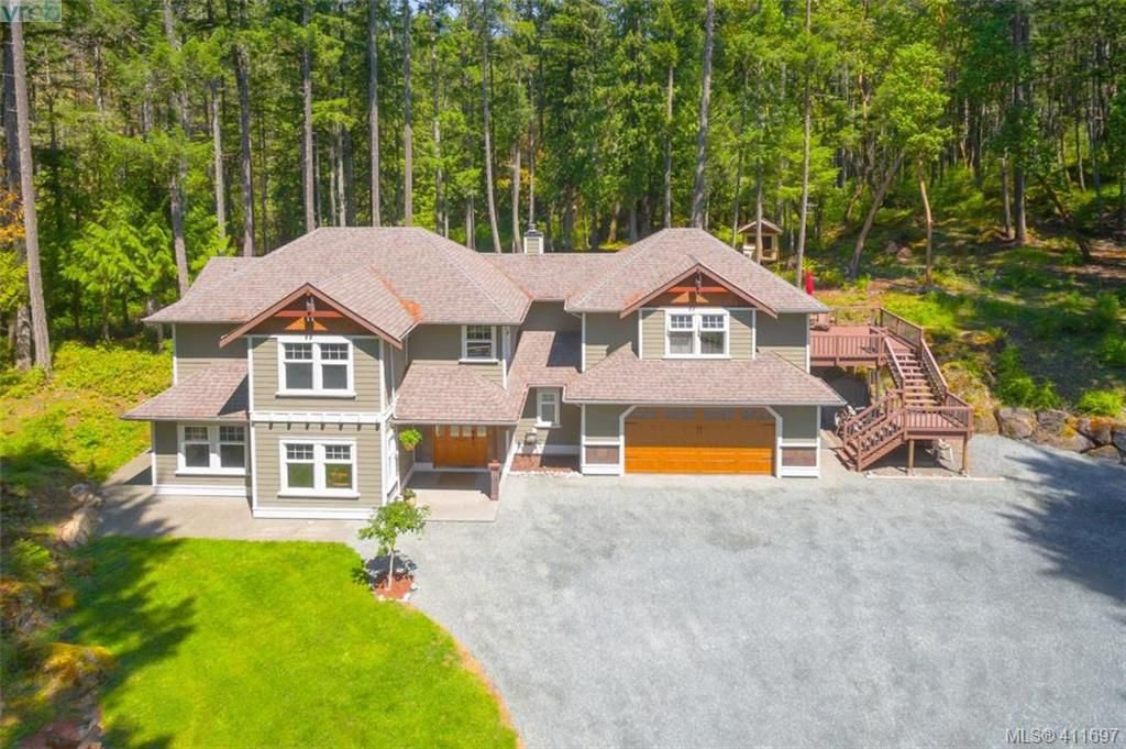Main Photo: 672 Stewart Mountain Road in VICTORIA: Hi Eastern Highlands Single Family Detached for sale (Highlands)  : MLS®# 411697