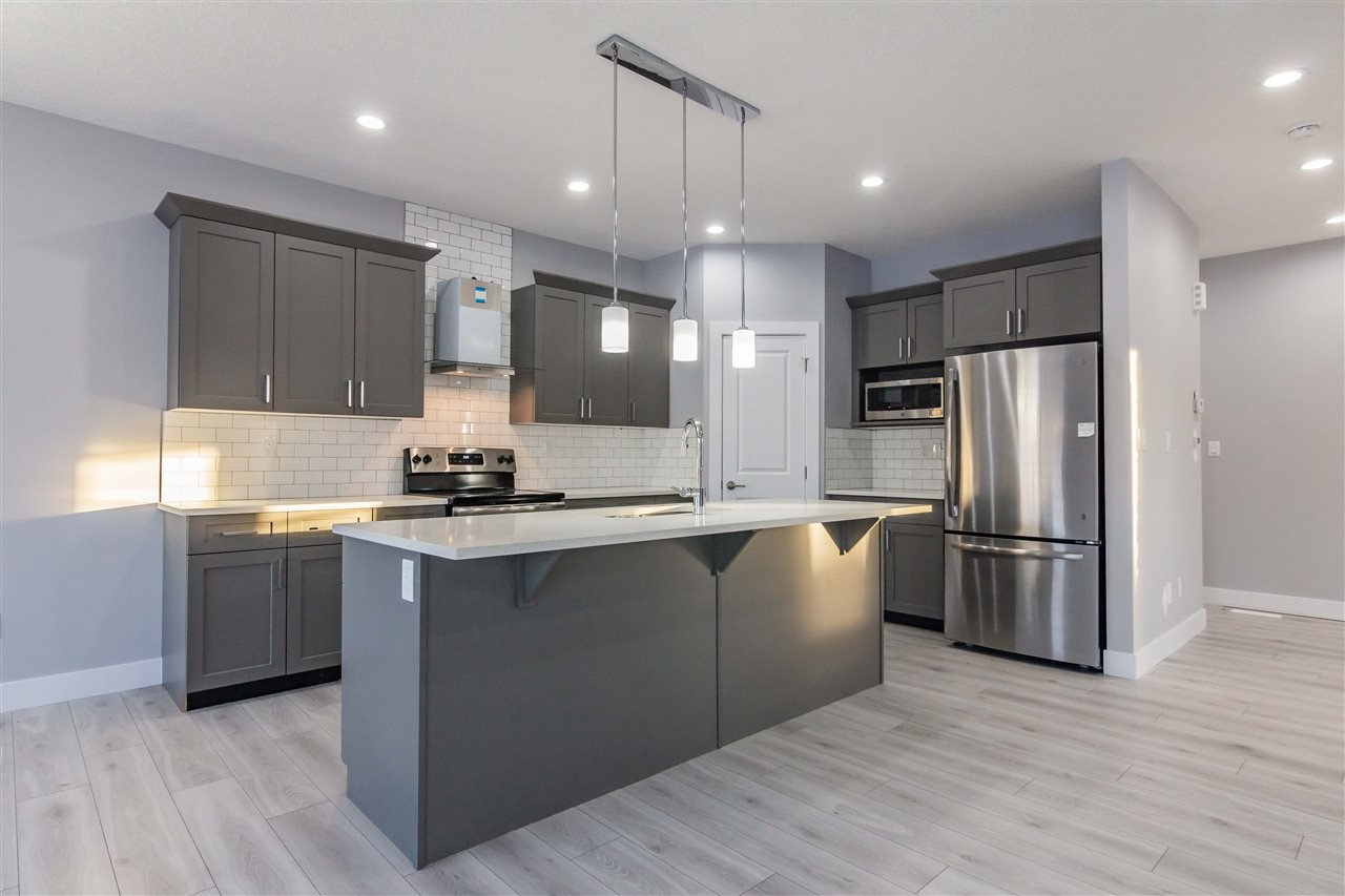 Main Photo: 564 Eagleson Wynd in Edmonton: Zone 57 House for sale : MLS®# E4169857