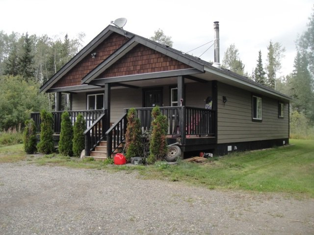 Main Photo: 690 MCNEIL Drive in Burns Lake: Burns Lake - Rural South House for sale (Burns Lake (Zone 55))  : MLS®# R2400962