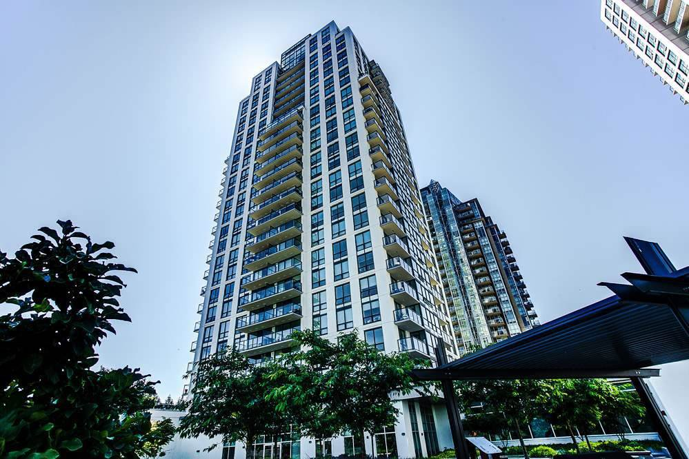 Main Photo: 2205 3007 GLEN DRIVE in Coquitlam: North Coquitlam Condo for sale : MLS®# R2386250